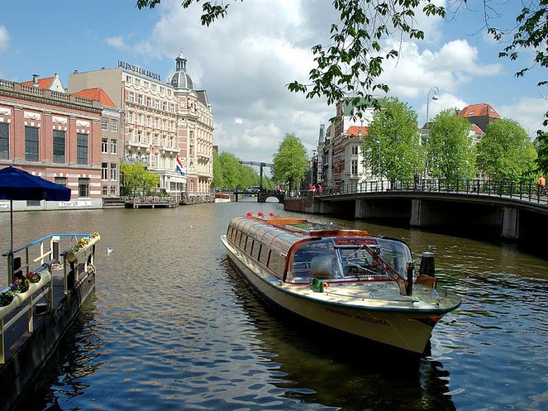 Чартърни_полети_и_самолетни_билети_до_Амстердам_1.jpg