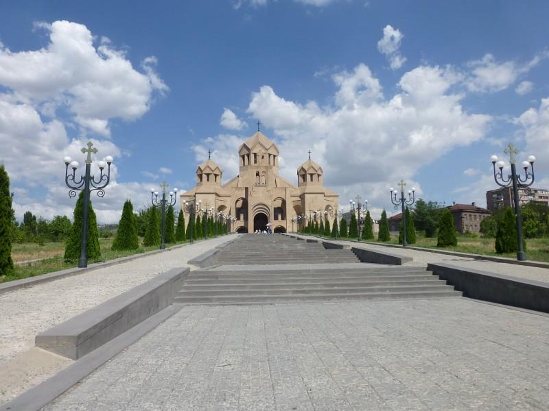 Чартърни_полети_и_самолетни_билети_до_Ереван,_Армения_2.jpg