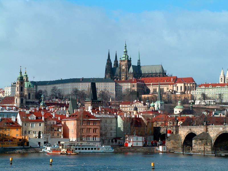Чартърни_полети_и_самолетни_билети_до_Чехия_и_Словакия_2.jpg