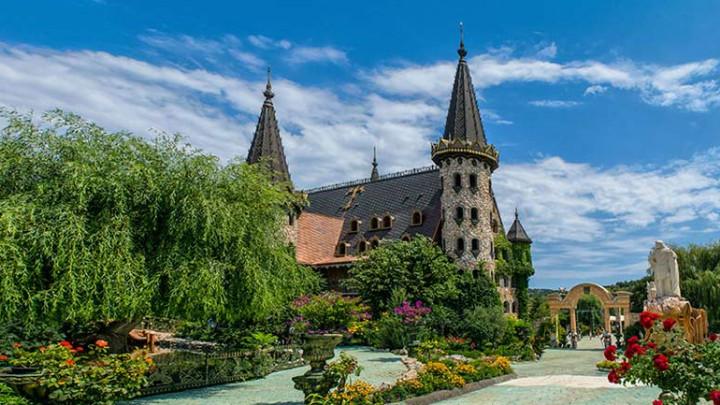 ravadinovo-castle.jpg